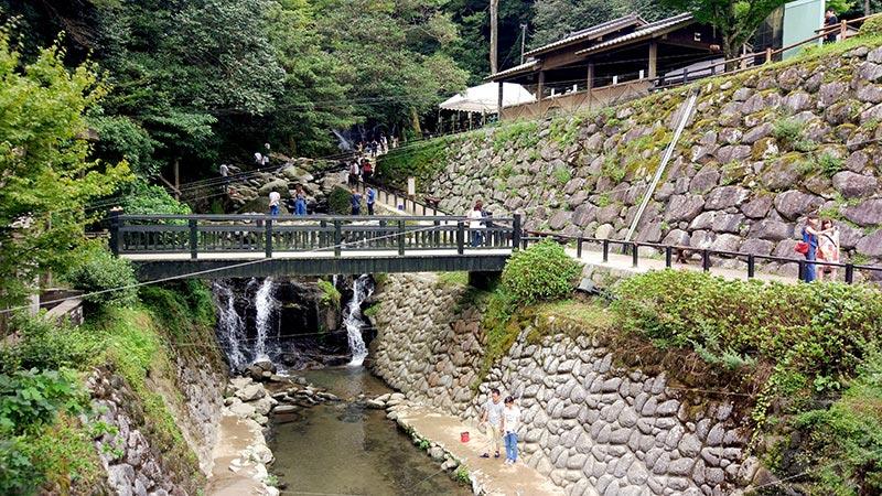 白糸の滝で山女魚釣り