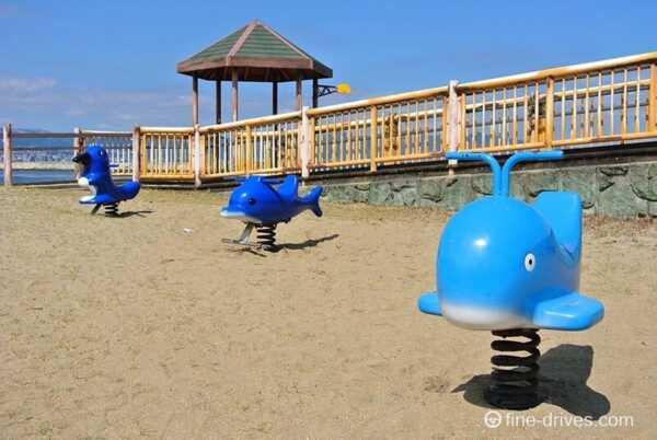 田ノ浦ビーチの遊具