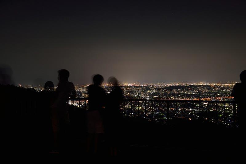 油山片江展望台のカップル