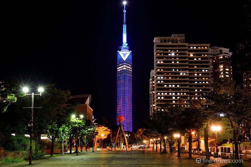 福岡タワーのライトアップ
