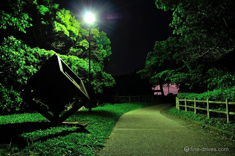 潮見公園の鉄のオブジェ