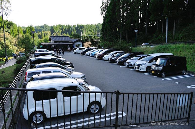 鍋ヶ滝公園の駐車場