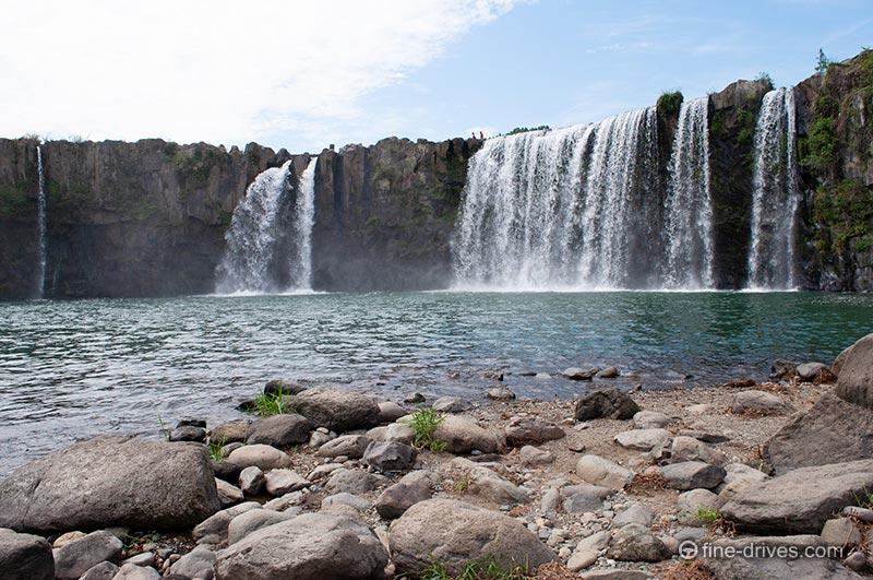 原尻の滝 滝つぼ近く