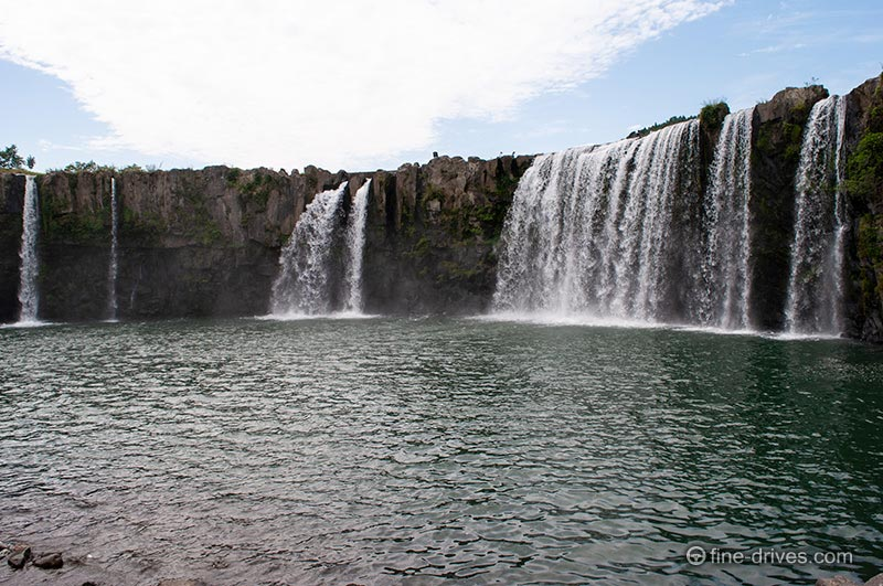 原尻の滝 滝つぼ