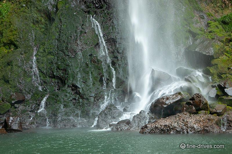 写真 東椎屋の滝の滝壺