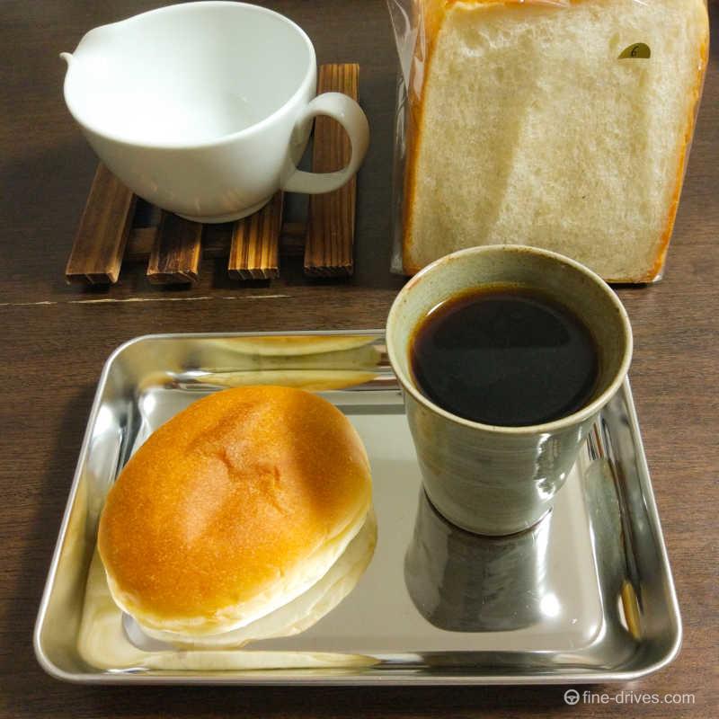 ヒッポー製パン所の練乳パン