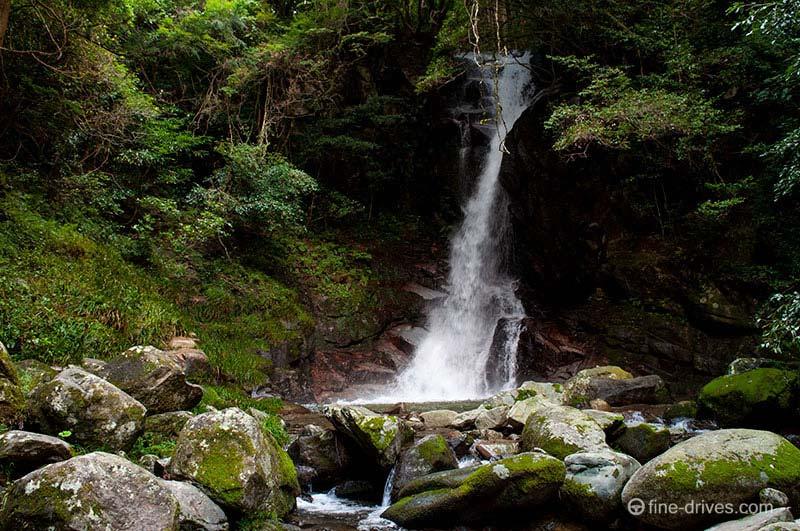 福岡のおすすめドライブスポット花乱の滝