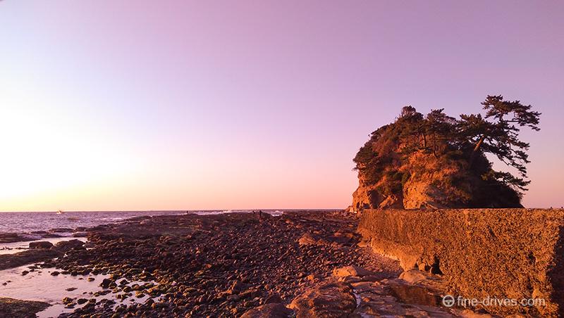 夕日時の芦屋町の洞山